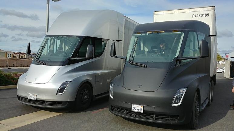 Tesla semi trucks ready to go